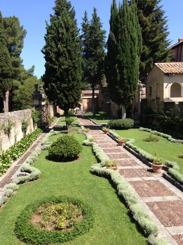 garden  Certosa di San Lorenzo in Padula, Italy