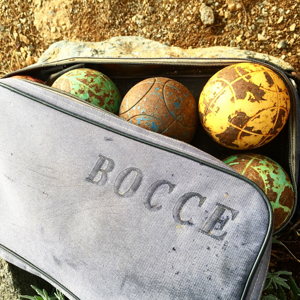 Bocce set