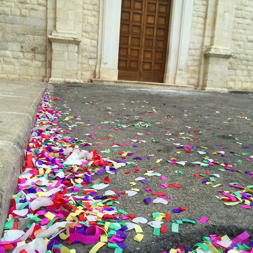 wedding confetti in Trani