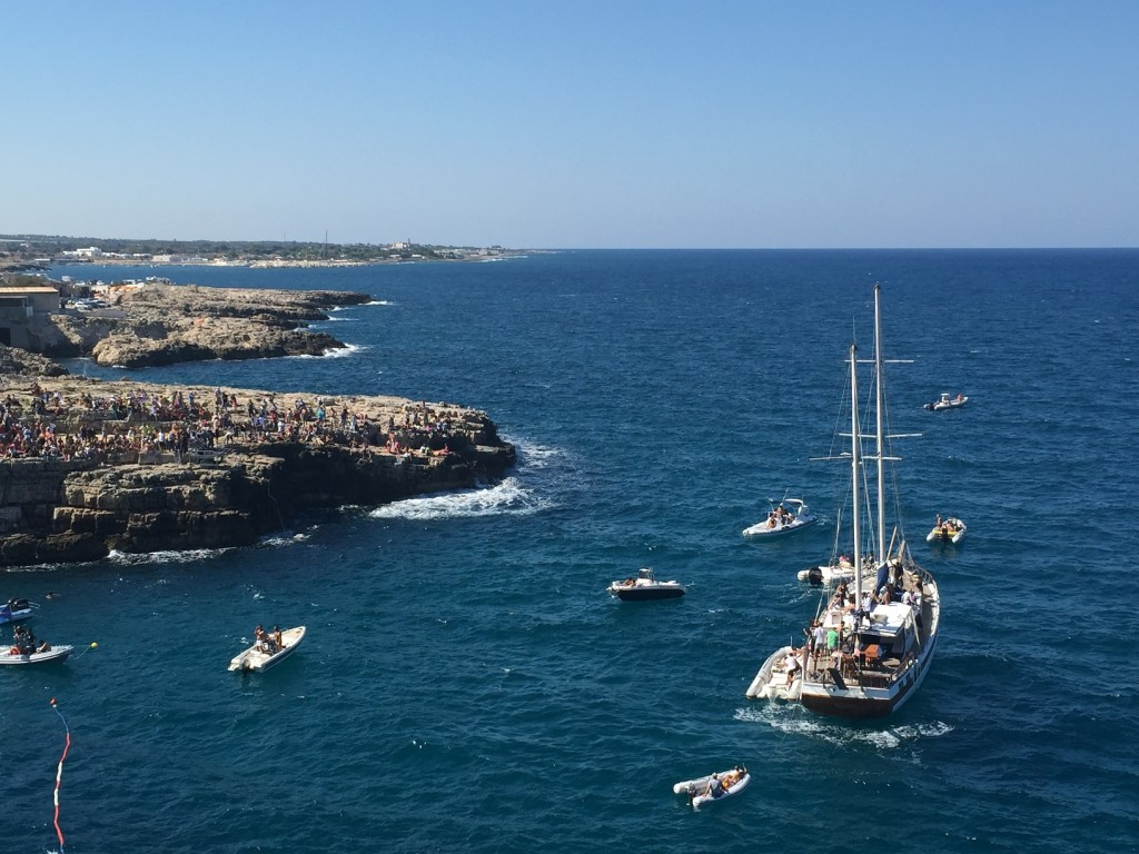 Red Bull cliff diving contest, Polignano a Mare