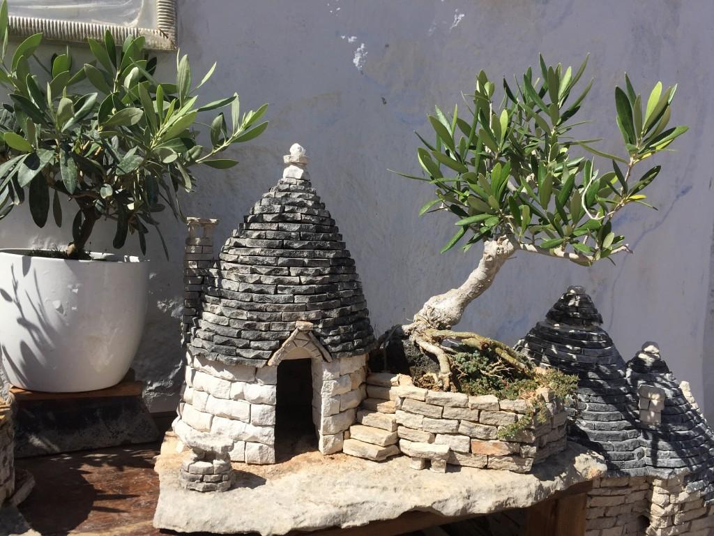 Miniature trullo, Alberobello, Puglia