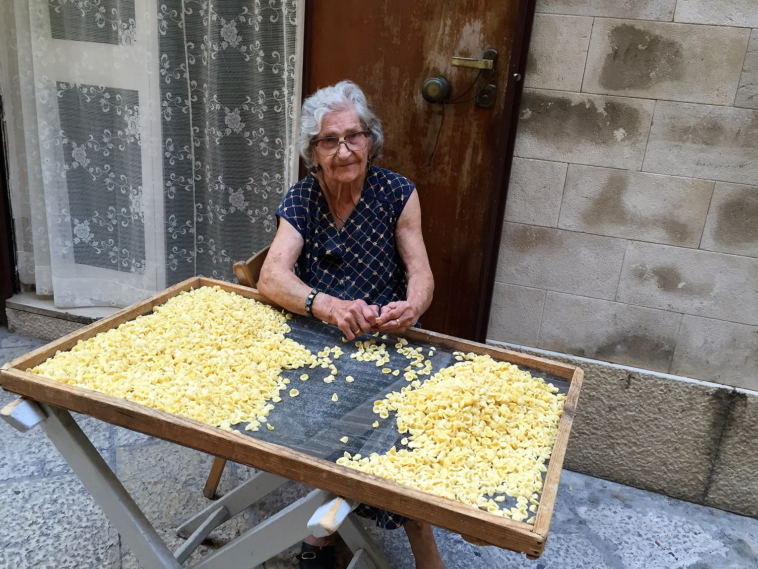 Stalking Santa's bones and pasta-making nonne in Bari Vecchia