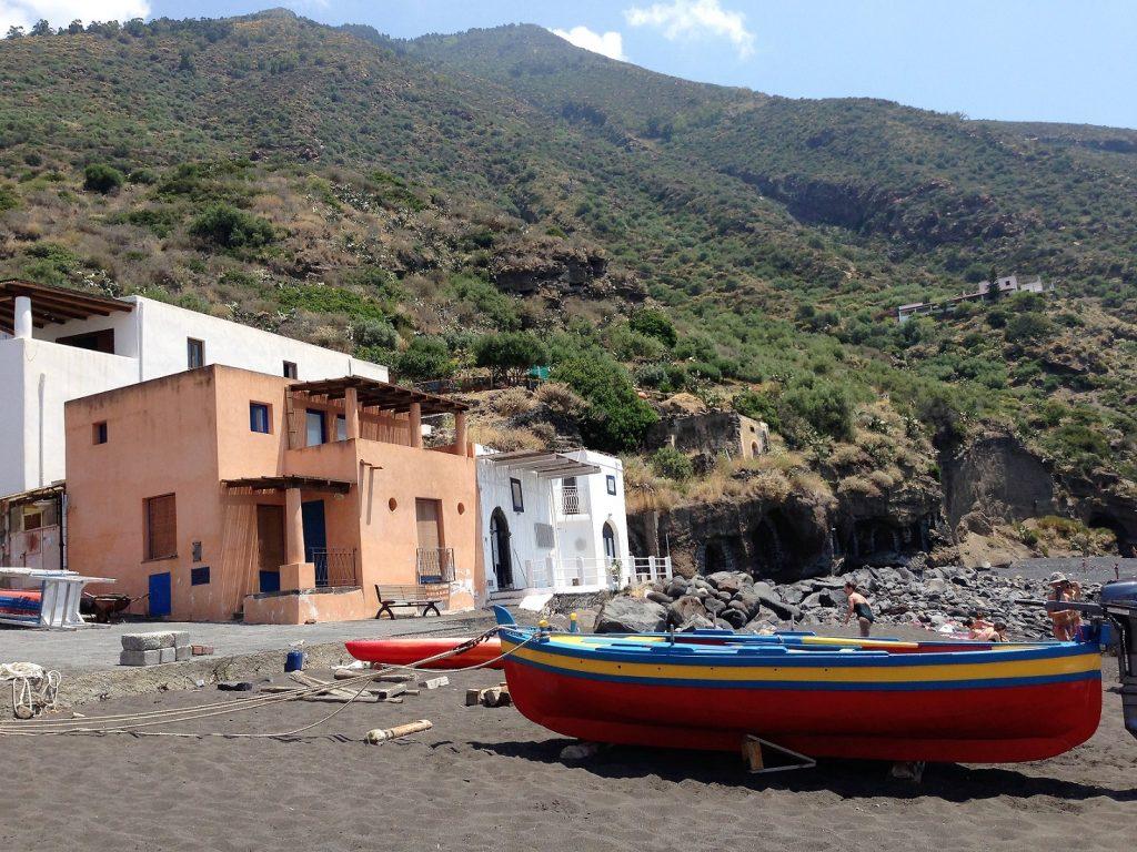Rinella beach, Salina